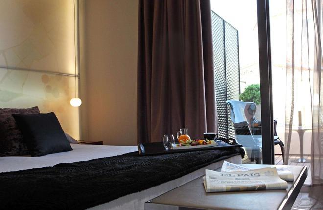 Hotel España Ramblas - Barcelona - Bedroom