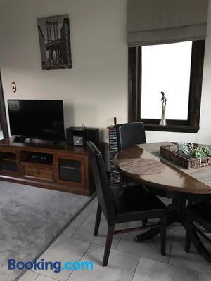 Casa Felina Apartment - Wellington - Dining room