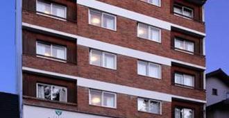Hotel Carlos V Patagonia - Bariloche - Gebäude