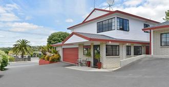 BK's Pohutukawa Lodge - Whangarei - Building