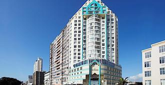 First Group The Palace All-Suite - Durban - Building