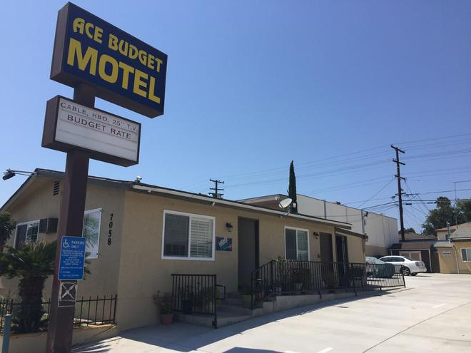 Ace Budget Motel - San Diego - Building