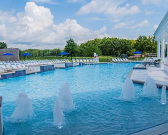 The Grand Resort - Warren - Zwembad