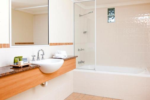Mantra in the Village Port Douglas - Port Douglas - Bathroom