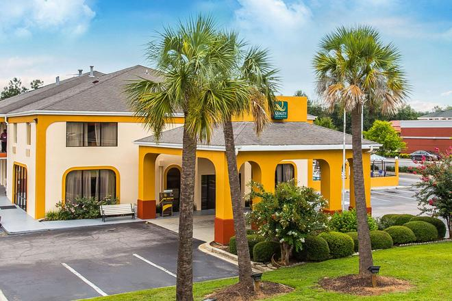 Quality Inn & Suites - Orangeburg - Rakennus
