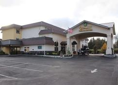 Quality Inn & Suites Tacoma - Seattle - Tacoma - Building