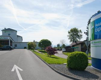 Holiday Inn Express Luzern - Neuenkirch - Lucerne - Building