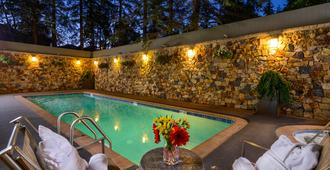 Vail's Mountain Haus - Vail - Piscina