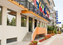 Regent - Pescara - Building