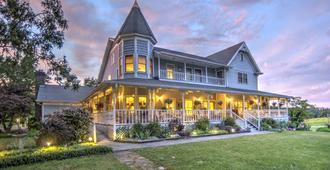 Blue Mountain Mist Country Inn - Sevierville - Edificio