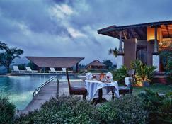 Heritage Resort Coorg - Madikeri - Pool