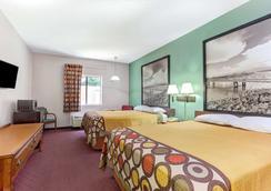 Super 8 by Wyndham Jackson/North - Jackson - Bedroom