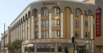 Ramada by Wyndham Los Angeles/Koreatown West - לוס אנג'לס - בניין