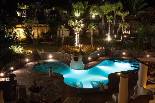 Hotel Oasi - Panarea - Pool