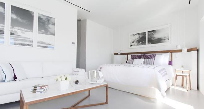 Grace Hotel Santorini, Auberge Resorts Collection - Thera - Bedroom