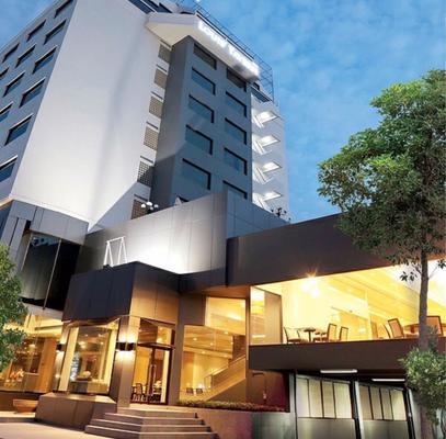 Louis Tavern Hotel - Bangkok - Building