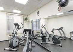 Baymont by Wyndham Asheville/Biltmore Village - Asheville - Gym
