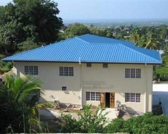 VuPoint Guest House - Scarborough - Building