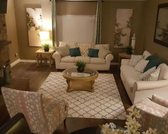 Sharnu's Palace - DeSoto
