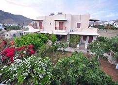 Villa Mata - Ίος - Κτίριο