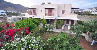 Villa Mata - Ios - Building