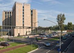 Starhotels Grand Milan - Saronno - Gebouw