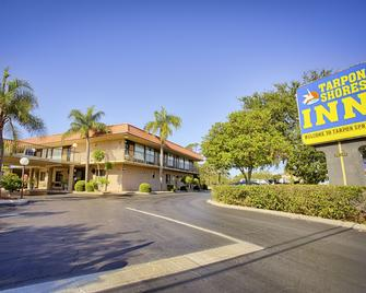 Tarpon Shores Inn - Tarpon Springs - Building