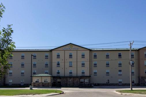 MainStay Suites - Williston - Rakennus