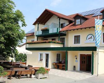 Hotel Gasthof Zum Hirschen - Beilngries - Gebouw