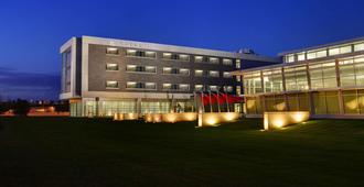 The Hotel at Kirkwood Center - Cedar Rapids