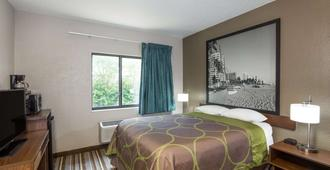 Super 8 by Wyndham Pompano Beach - Pompano Beach - Bedroom