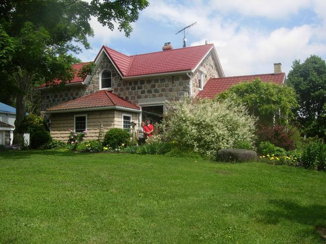 Koch Haus Bed and Breakfast - Stratford - Building