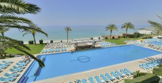 Ocean Blue Resort - Byblos - Piscina