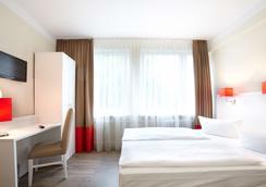 奧斯特西哈勒基礎酒店 - 基爾 - 基爾 - 臥室