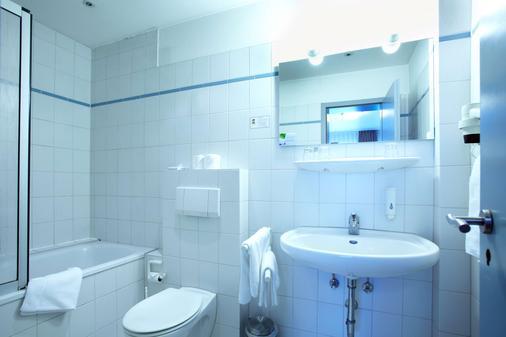 奧斯特西哈勒基礎酒店 - 基爾 - 基爾 - 浴室