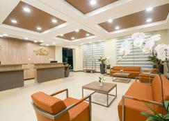 Microtel Inn & Suites by Wyndham San Fernando - San Fernando - Rezeption