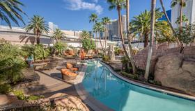 MGM Grand Hotel and Casino - Las Vegas - Piscina