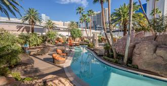 MGM Grand Hotel and Casino - לאס וגאס - בריכה