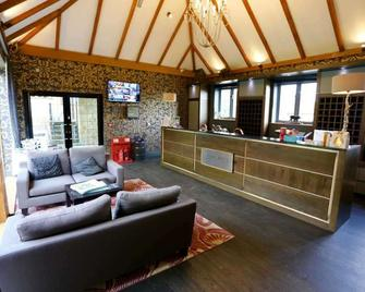 Lythe Hill Hotel And Spa - Haslemere - Front desk