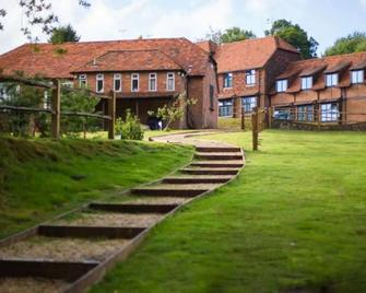 Lythe Hill Hotel, Restaurant & Spa - Haslemere - Building