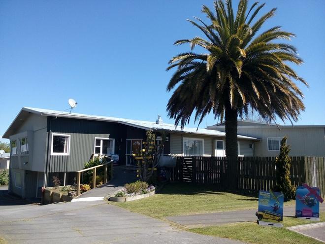 Berkenhoff Lodge - Taupo - Building