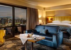 Limerick Strand Hotel - Limerick - Phòng ngủ