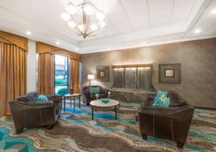 Wyndham Garden Wichita Downtown - Wichita - Lounge