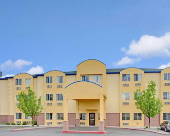 Days Inn by Wyndham Lehi - Lehi - Building