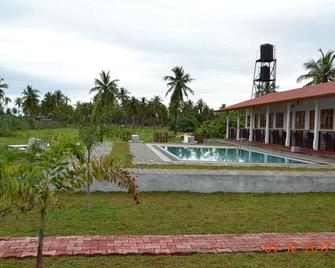 Shan Guest and Restaurant Nilaveli - Trincomalee - Pool