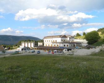 Hotel Vallefura - Пескокостанцо - Здание