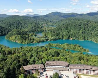 Hotel Jezero - Plitvicka Jezera - Outdoor view