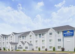 Microtel Inn & Suites by Wyndham Plattsburgh - Plattsburgh - Bina