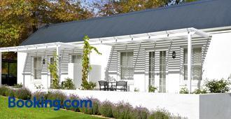 Lavender Farm Guest House - Franschhoek - Building