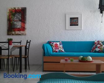Aegialis Studios & Rooms - Galissas - Living room